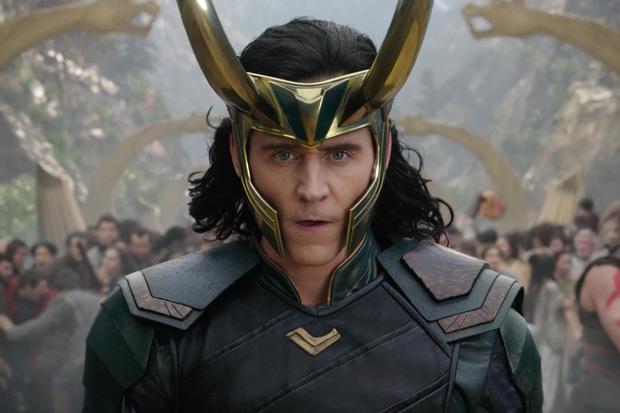 """Hậu trường Loki lộ ảnh """"em gái"""" tóc vàng hoe, phiên bản """"chuyển giới"""" của Tom Hiddleston hay một thánh lừa siêu đẳng? - Ảnh 10."""