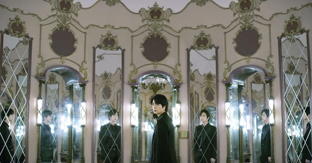 BTS đánh úp MV hạng khủng: Fan lại ngập ngụa với thuyết âm mưu gợi nhớ đến siêu phẩm kinh dị Black Swan - Ảnh 4.