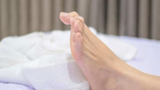 4 dấu hiệu khi ngủ cho thấy mỡ đang chảy khắp người bạn - Ảnh 2.