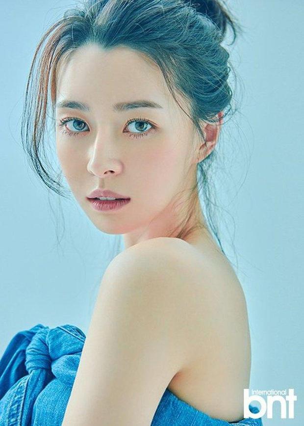 Hết gây sốt bởi thân hình nóng bỏng, nữ phụ xinh đẹp của Itaewon Class lại khiến netizen trầm trồ vì ảnh hồi bé quá xuất sắc - Ảnh 5.