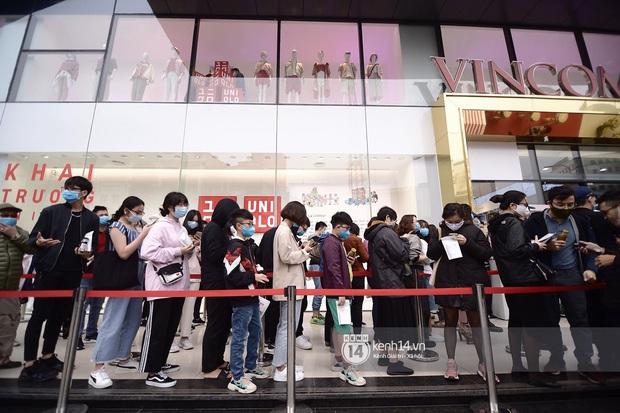 UNIQLO khai trương tại Hà Nội: Cực nhiều món đẹp xịn giá chỉ 249k - 499k, store rộng đi mỏi chân chưa xem hết đồ - Ảnh 2.