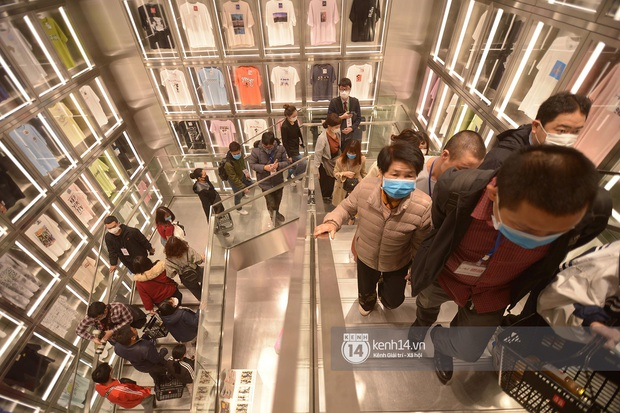 UNIQLO khai trương tại Hà Nội: Cực nhiều món đẹp xịn giá chỉ 249k - 499k, store rộng đi mỏi chân chưa xem hết đồ - Ảnh 5.