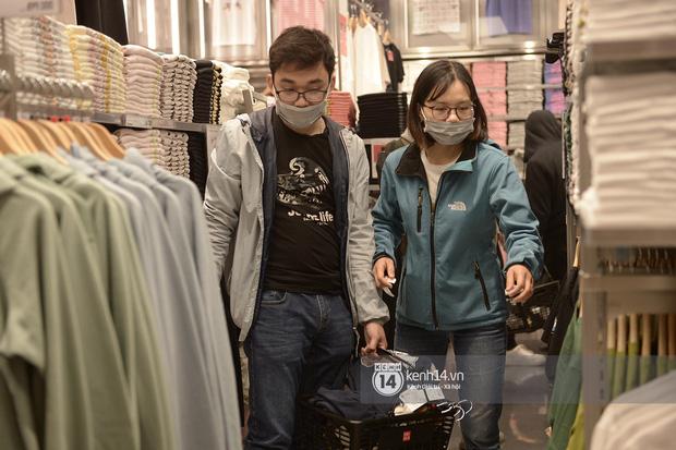 UNIQLO khai trương tại Hà Nội: Cực nhiều món đẹp xịn giá chỉ 249k - 499k, store rộng đi mỏi chân chưa xem hết đồ - Ảnh 13.