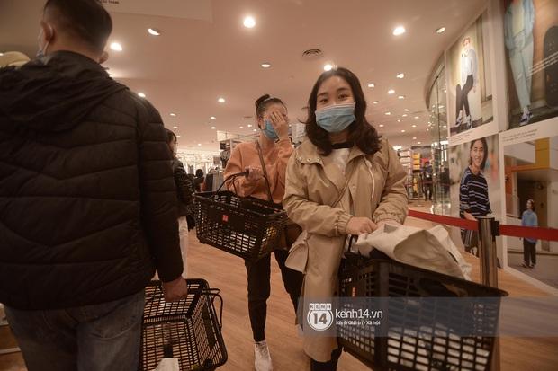 UNIQLO khai trương tại Hà Nội: Cực nhiều món đẹp xịn giá chỉ 249k - 499k, store rộng đi mỏi chân chưa xem hết đồ - Ảnh 11.