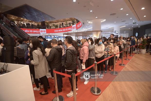 UNIQLO khai trương tại Hà Nội: Cực nhiều món đẹp xịn giá chỉ 249k - 499k, store rộng đi mỏi chân chưa xem hết đồ - Ảnh 17.