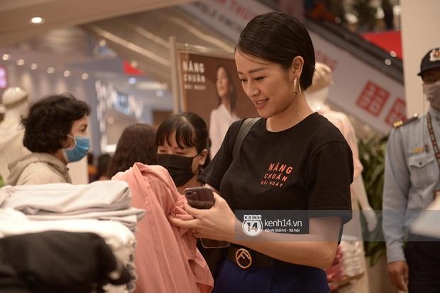 UNIQLO khai trương tại Hà Nội: Cực nhiều món đẹp xịn giá chỉ 249k - 499k, store rộng đi mỏi chân chưa xem hết đồ - Ảnh 9.