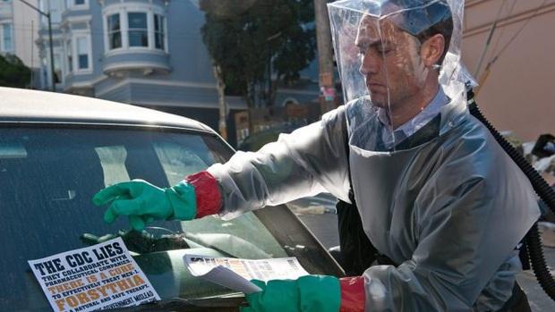 Bộ phim Contagion được tấp nập cầu link tiên tri được dịch cúm: Virus không đáng sợ bằng fake news! - Ảnh 2.