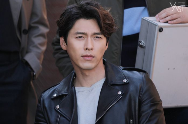 Đối lập hẳn với đại uý Ri, loạt ảnh Hyun Bin nhíu mày thôi cũng sexy mất máu 3 năm trước đang khiến chị em náo loạn - Ảnh 6.
