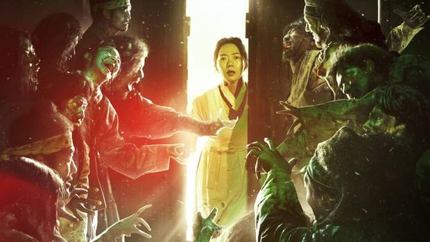 5 câu hỏi còn bỏ ngỏ từ Kingdom phần đầu: Ai là zombie đầu tiên, Bae Doona có yêu Joo Ji Hoon? - Ảnh 1.