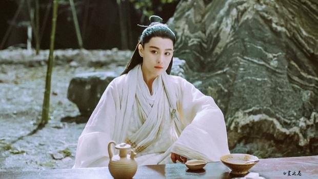 5 diễn viên siêu hot được chuyển giới ở màn ảnh châu Á có cả đầu bếp vạn người mê ở Tầng Lớp Itaewon và con gái Kim Tae Hee này! - Ảnh 11.