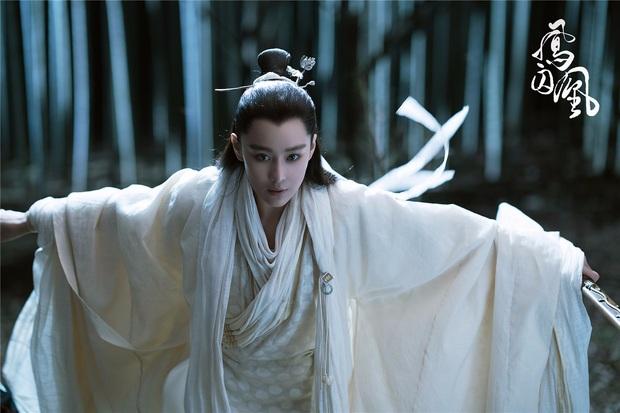 5 diễn viên siêu hot được chuyển giới ở màn ảnh châu Á có cả đầu bếp vạn người mê ở Tầng Lớp Itaewon và con gái Kim Tae Hee này! - Ảnh 12.