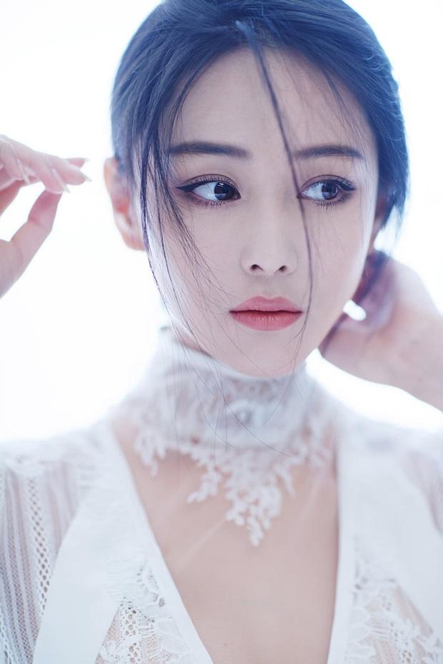 5 diễn viên siêu hot được chuyển giới ở màn ảnh châu Á có cả đầu bếp vạn người mê ở Tầng Lớp Itaewon và con gái Kim Tae Hee này! - Ảnh 13.