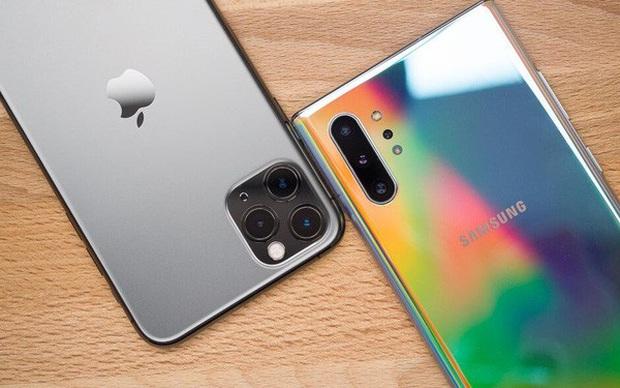 Tuyệt chiêu thông minh nào giúp iPhone 11 lấy lại phong độ sau 4 quý sụt giảm doanh thu? - Ảnh 1.