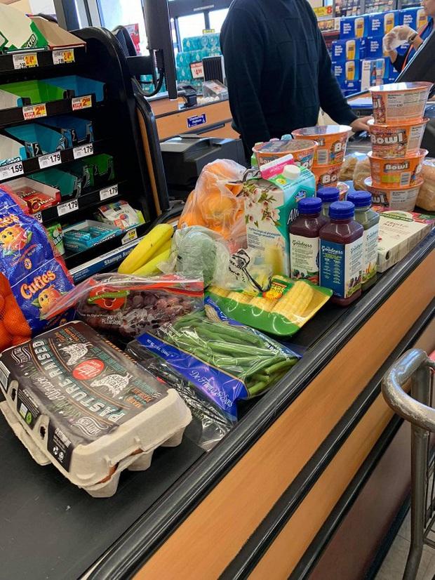 Sao Việt làm gì để chống dịch tại Mỹ: Huỷ mọi lịch trình, cho con nghỉ học, khá giả đến mấy vẫn phải dự trữ thức ăn - Ảnh 8.