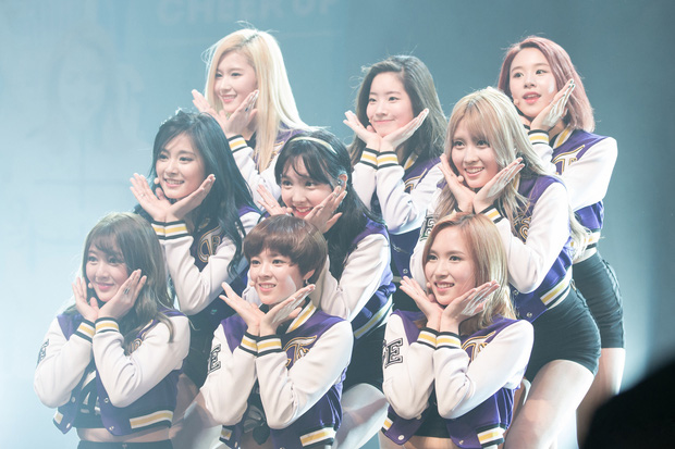 8 siêu hit thành công vang dội của Kpop gen 3: Growl, Cheer Up giúp EXO, TWICE làm nên tên tuổi, BTS bước ra ánh sáng nhờ bản hit rực cháy - Ảnh 5.