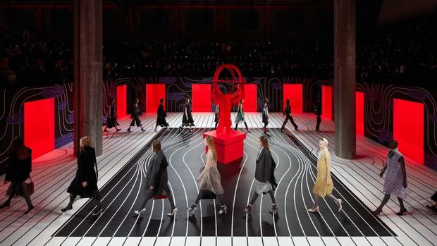 Bất chấp dịch Corona càn quét đến mức lắm show phải hủy, Milan Fashion Week vẫn có 7 BST BEST nhất mùa - Ảnh 4.