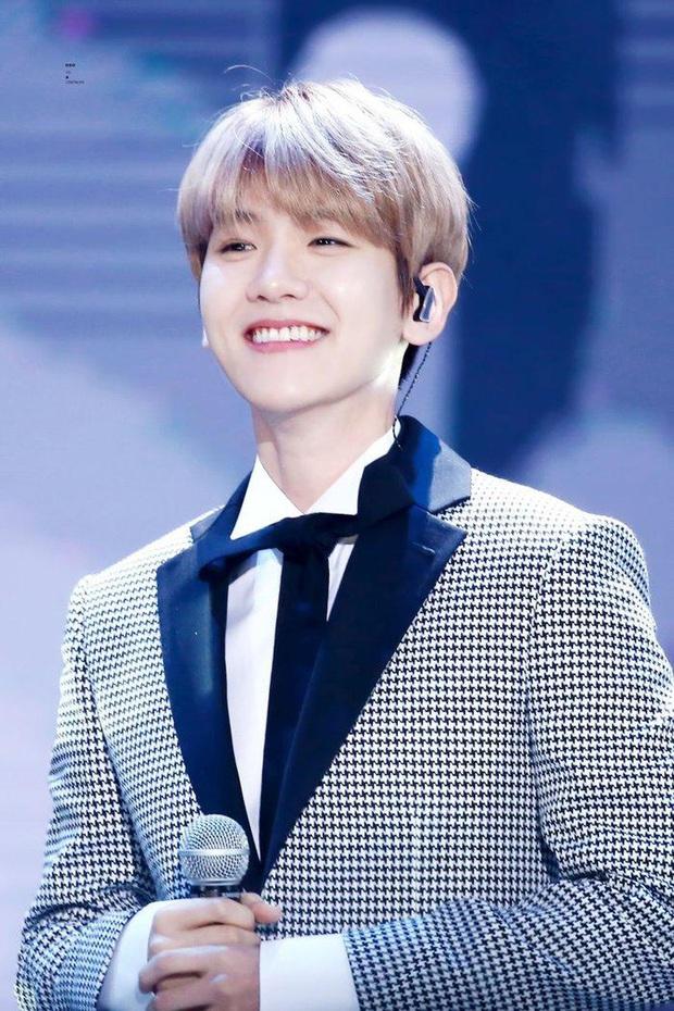 BXH 10 idol nam đẹp tự nhiên của Kpop: Vị trí top 3 gây bất ngờ, no.1 thuộc về nam thần BTS nào? - Ảnh 10.