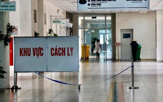 Việt Nam ghi nhận thêm 2 ca nhiễm COVID-19: Tài xế riêng và bác ruột của bệnh nhân thứ 17 - Ảnh 1.