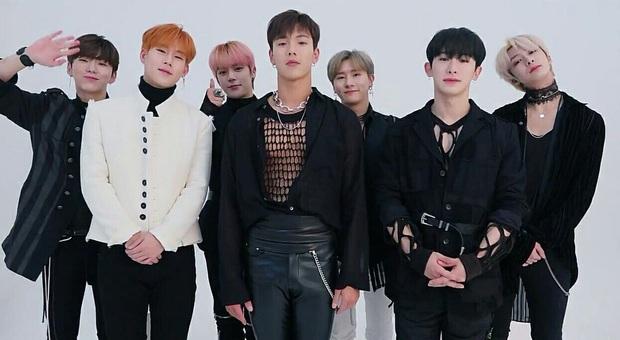 8 siêu hit thành công vang dội của Kpop gen 3: Growl, Cheer Up giúp EXO, TWICE làm nên tên tuổi, BTS bước ra ánh sáng nhờ bản hit rực cháy - Ảnh 7.