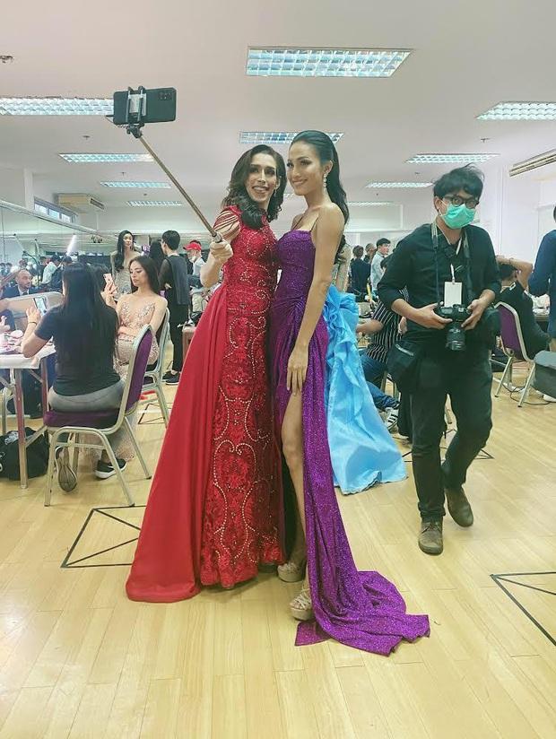 Đột nhập hậu trường Chung kết Hoa hậu Chuyển giới: Hoài Sa chọn váy dạ hội đầy gợi cảm, sẵn sàng bứt phá chặng đua cuối - Ảnh 4.