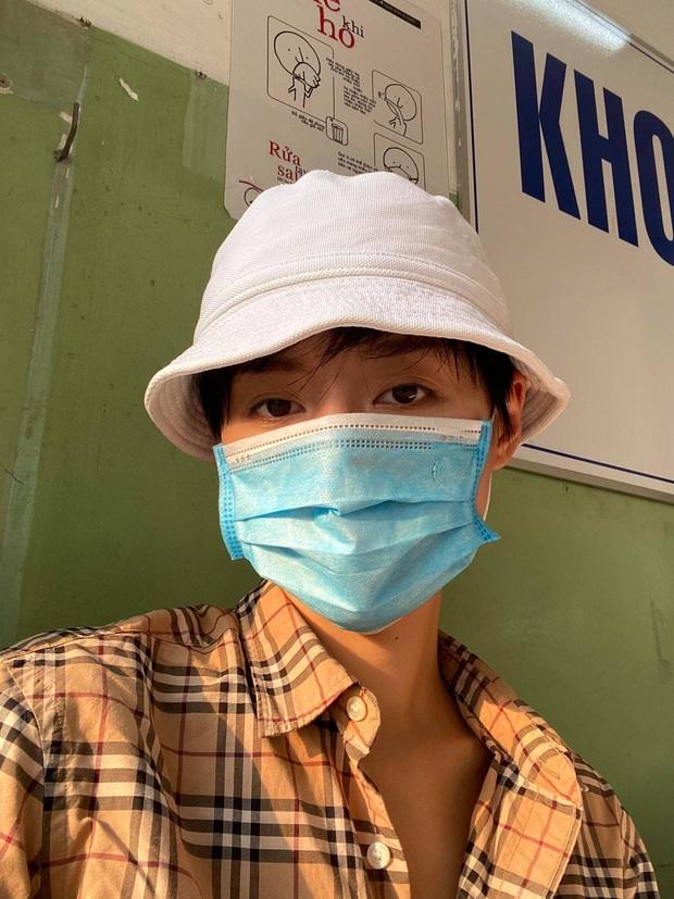 Khánh Linh và bạn trai chủ động đi kiểm tra sức khoẻ, tự cách ly tại nhà sau khi từ Pháp về - Ảnh 1.
