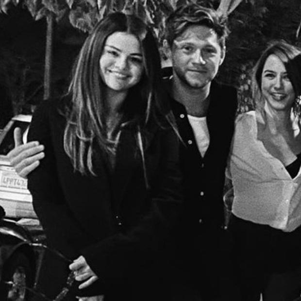 Thì Thầm Hollywood: Selena, Tom Cruise đang hẹn hò, vợ chồng Hoàng tử Harry bắt tay với Kim và tin động trời về chồng Nicki Minaj - Ảnh 19.