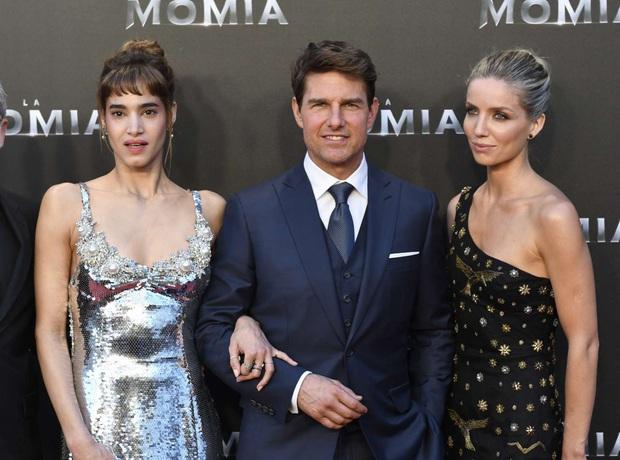 Thì Thầm Hollywood: Selena, Tom Cruise đang hẹn hò, vợ chồng Hoàng tử Harry bắt tay với Kim và tin động trời về chồng Nicki Minaj - Ảnh 4.