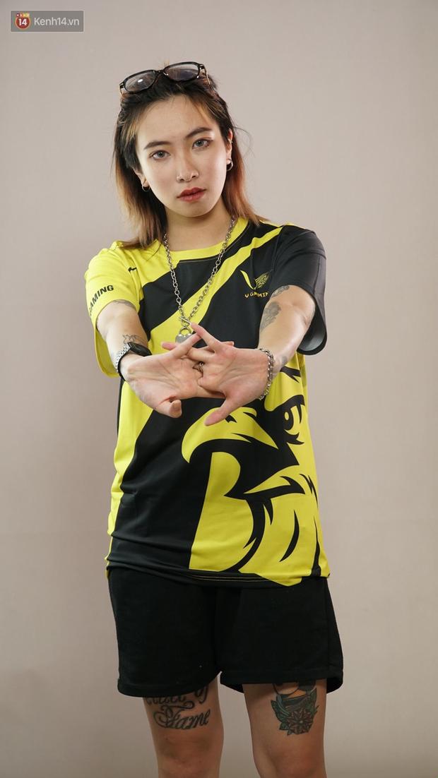LMHT: Hé lộ dàn hot girl đại diện Việt Nam tham gia giải FSL 2020 tại Singapore, có cả người yêu EVOS Pake - Ảnh 1.