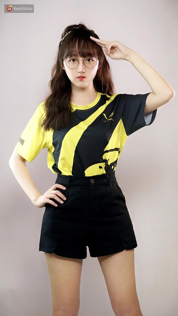 LMHT: Hé lộ dàn hot girl đại diện Việt Nam tham gia giải FSL 2020 tại Singapore, có cả người yêu EVOS Pake - Ảnh 3.