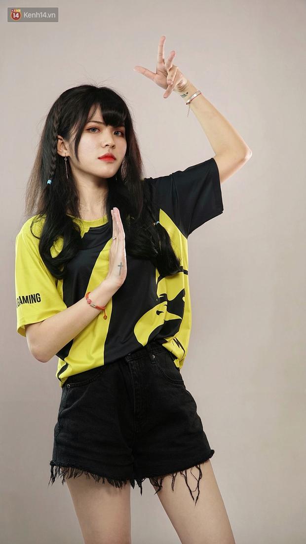 LMHT: Hé lộ dàn hot girl đại diện Việt Nam tham gia giải FSL 2020 tại Singapore, có cả người yêu EVOS Pake - Ảnh 4.