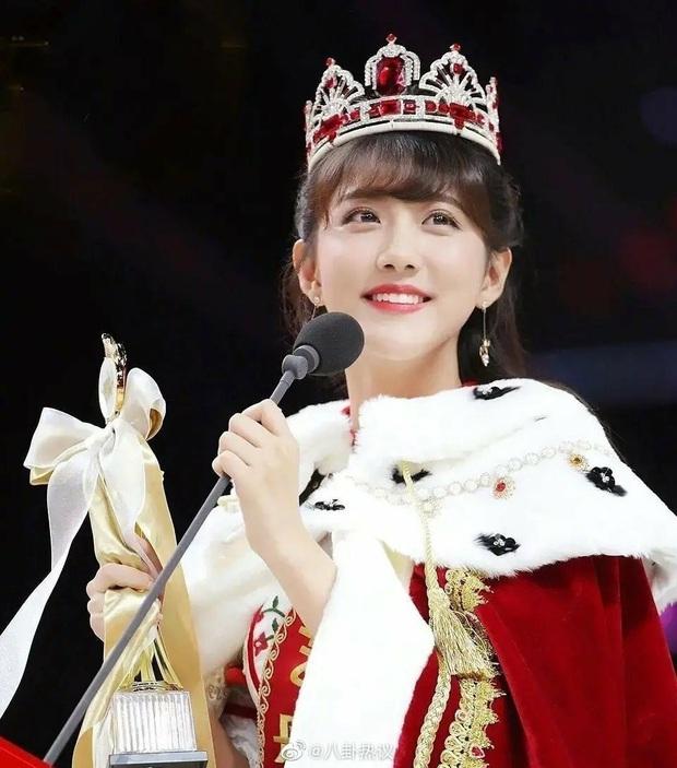 Mỹ nhân Cbiz đẹp lộng lẫy khi đội vương miện: Địch Lệ Nhiệt Ba kinh diễm, Dương Tử nhan sắc tựa công chúa cổ tích - Ảnh 7.