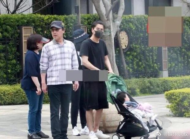 Dạ Hoa Triệu Hựu Đình lộ diện bên con gái 1 tuổi, vóc dáng Cao Viên Viên trong thời kỳ cho con bú được bật mí - Ảnh 6.