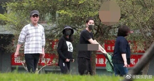 Dạ Hoa Triệu Hựu Đình lộ diện bên con gái 1 tuổi, vóc dáng Cao Viên Viên trong thời kỳ cho con bú được bật mí - Ảnh 4.