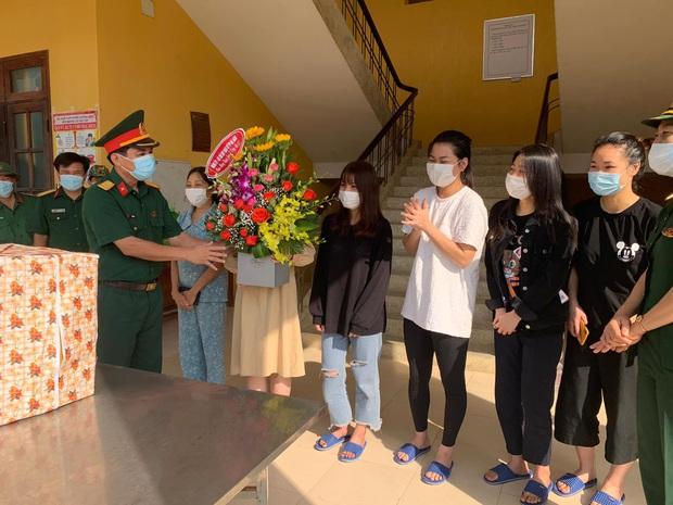 Ngày 8/3 đặc biệt của chị em tại khu cách ly phòng dịch Covid-19 ở Đà Nẵng - Ảnh 2.