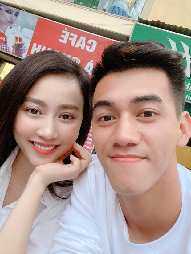 Huỳnh Hồng Loan vừa khoe được tặng hoa ngày 8/3, Tiến Linh lập tức yêu cầu nói rõ tên người gửi để khẳng định chủ quyền - Ảnh 4.