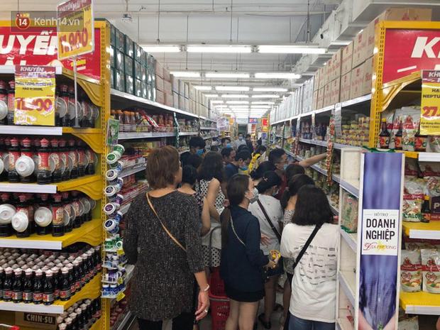 Đà Nẵng khẳng định đủ hàng hóa cung cấp, khuyến cáo người dân không nên trữ lương thực trong dịch Covid-19 - Ảnh 5.