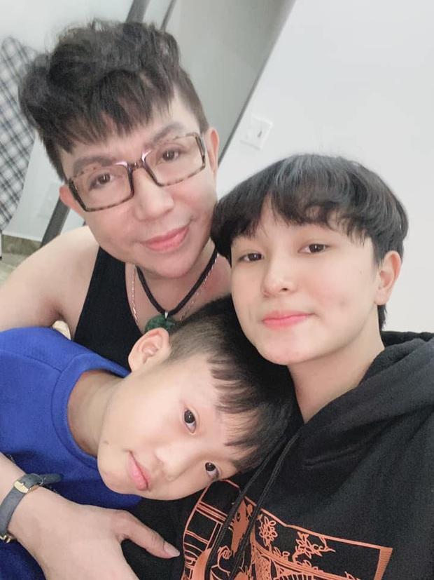 Long Nhật hiếm hoi khoe ảnh bên các con sau hàng loạt scandal đồng tính: Toàn xinh xắn, dễ thương chẳng kém nhà sao Việt nào - Ảnh 3.
