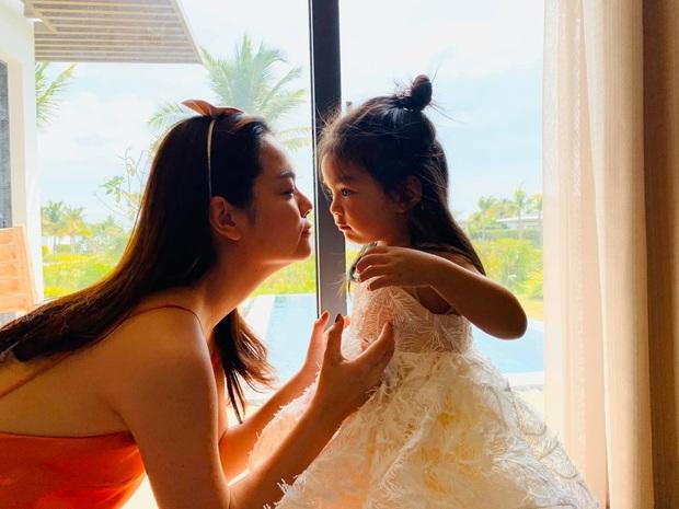 Phạm Quỳnh Anh và Quang Huy gây chú ý khi lại tái ngộ trong dịp sinh nhật con gái út: Ly hôn nhưng vẫn mãi là gia đình! - Ảnh 6.