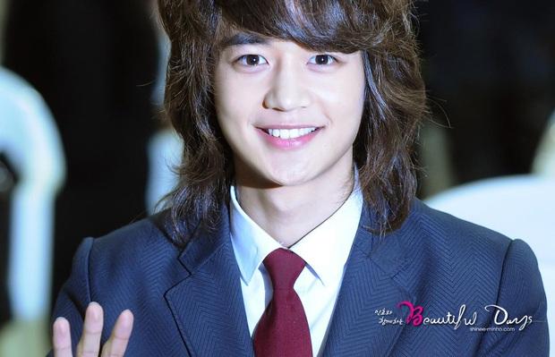 Top 6 tin đồn hẹn hò kỳ lạ nhất Kbiz: Lay hẹn hò ông lớn, cả dàn sao SM dính chưởng nhưng chưa dị bằng Hong Jin Young - Ảnh 2.
