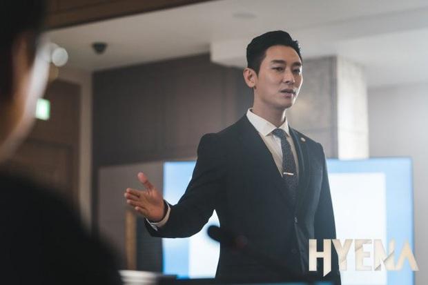 Joo Ji Hoon - Phượng hoàng lửa thiêu sạch scandal, khẳng định đẳng cấp diễn viên hàng đầu Châu Á với series Kingdom - Ảnh 20.