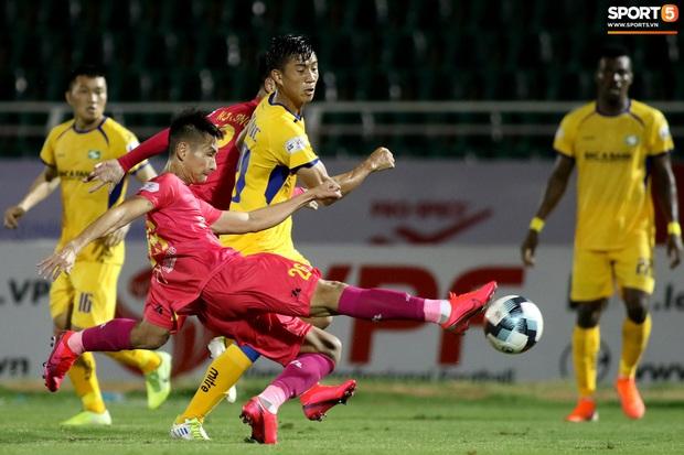 Chủ tịch kiêm HLV đội Sài Gòn phản đối đề xuất V.League thi đấu tập trung: Đừng chống lại quy định và chỉ thị - Ảnh 2.