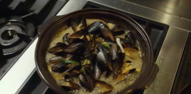 Đúng là ở hiền gặp lành, chỉ nhờ một sự đãng trí của cậu nhân viên mà đầu bếp của Danbam (Tầng lớp Itaewon) giành giải nấu ăn giỏi nhất cả nước - Ảnh 6.
