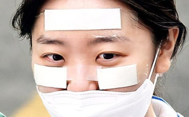 Tâm sự tha thiết của y tá tại tâm dịch Daegu: Đổ máu mũi vì làm việc quá sức, không dám thân thiết với đồng nghiệp - Ảnh 1.