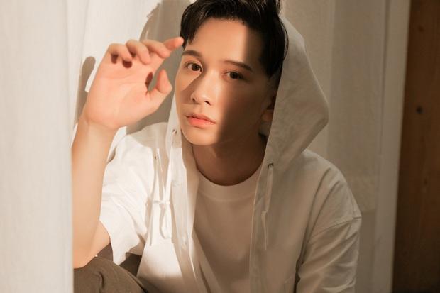 Sau sự cố mất sạch MV vào cuối năm 2019, Đỗ Hoàng Dương đã tái khởi động dự án cùng Khắc Hưng, đổi tên ca khúc nghe cứ như phim Thái Lan! - Ảnh 1.