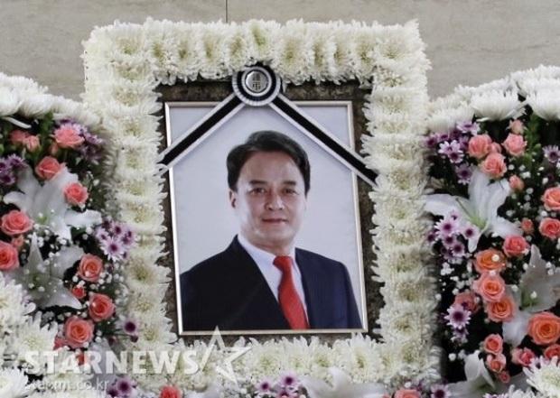 Ngày 9/3 khiến Kbiz chấn động: Gia đình Goo Hara tan nát vì tài sản, bố Taeyeon qua đời và còn đúng 2 năm Jo Min Ki tự tử - Ảnh 7.