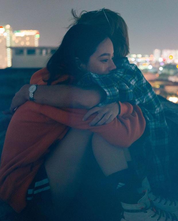 Couple bách hợp gây xúc động khi come out trong vlog của Giang Ơi, nhìn ảnh đời thường tình tứ của họ còn mê hơn nữa - Ảnh 10.