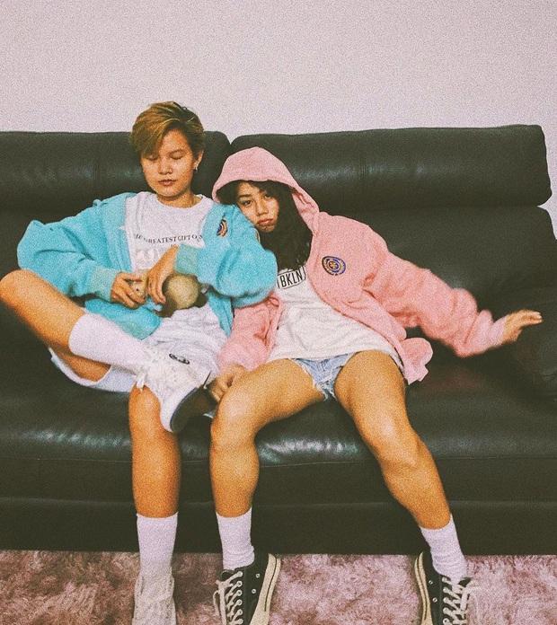 Couple bách hợp gây xúc động khi come out trong vlog của Giang Ơi, nhìn ảnh đời thường tình tứ của họ còn mê hơn nữa - Ảnh 4.