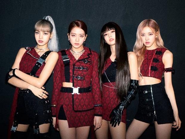 Netizen nhớ lại sân khấu cover đỉnh cao nhất của BLACKPINK: Visual, giọng hát, outfit cho đến thần thái đều hoàn hảo, cũng nhờ đó Jennie được phong Chanel sống - Ảnh 1.