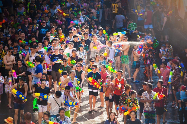 Thái Lan kêu gọi hủy bỏ lễ hội té nước Songkran nổi tiếng và loạt sự kiện vui chơi, giải trí vì dịch Covid-19 - Ảnh 4.