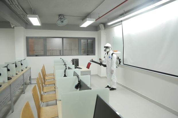Một trường đại học cho sinh viên chọn cách học trong mùa nghỉ dịch Coivd-19 - Ảnh 1.